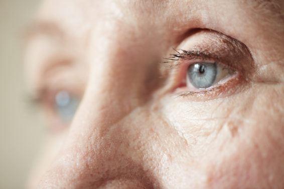 Jak dbać o oczy u osoby starszej?