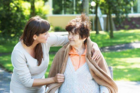 Zawód przyszłości – opiekunka osób starszych