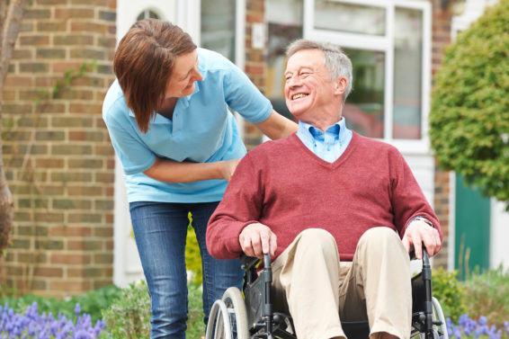 Specyfika pracy z seniorem na wózku inwalidzkim