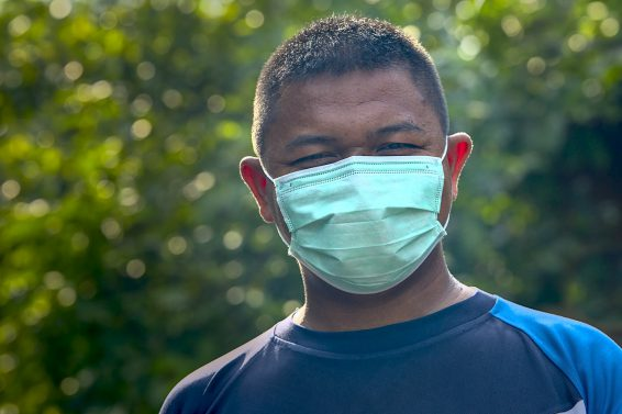 Maseczka w czasie pandemii – obowiązek czy opcja?
